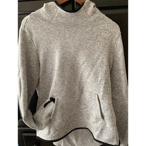 Turtle-neck collar sweatshirt